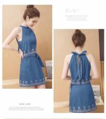 Đầm jean thêu cổ yếm - D126 - 180 (_.ĐÃ CÓ HÀNG._)