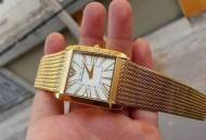 Chiếc đồng hồ Armani AR2016 sẽ trên tay bạn như thế nào