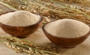 Dưỡng trắng da với bột gạo tẻ và mật ong nguyên chất