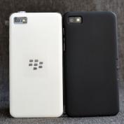 Op-lung-BlackBerry-Z10-nhua-cung-muot