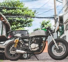 Tự Thanh Đa độ Honda CB400SS thành cafe racer
