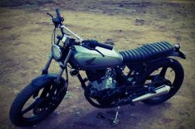Honda CB125T Tracker