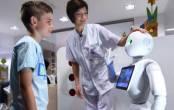 Robot đón tiếp bệnh nhân