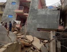Động đất 7,9 độ richter tại Nepal, nhiều tòa nhà đổ sập