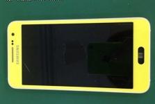 Galaxy S6 lộ diện với vỏ nhôm, màn hình ngang iPhone 6 Plus