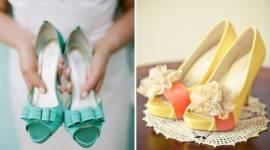 Giày cưới hở mũi dễ chịu cho đám cưới giao mùa