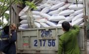 Thu giữ gần 7 tấn thức ăn chăn nuôi chứa chất cấm