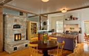 Thiết kế nội thất phòng bếp đẹp và cổ điển nhờ cửa sổ
