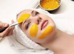 Cách trị nám da, tàn nhang dễ dàng với tinh bột nghệ