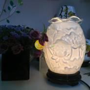 Đèn xông tinh dầu Thiện tâm sen trắng