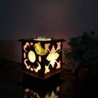 Đèn xông tinh dầu bằng gỗ hoa văn cổ điển