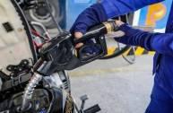 Giá xăng, dầu tiếp tục...
