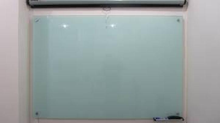 Bảng kiếng văn phòng kích thước 1200x2600mm