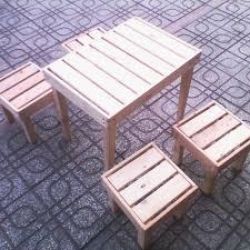 bàn ghế gỗ cafe vỉa hè