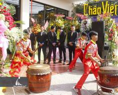 Le-khai-truong-Nha-hang-Chan-Viet