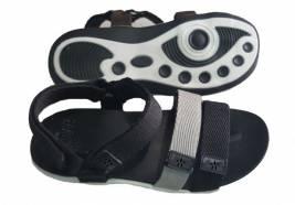 Vina Giày - VNQ Group: Tiên phong trong sản xuất giày dép VNXK