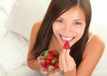 Những loại thực phẩm giúp răng trắng sáng bất ngờ