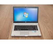 HP ELITEBOOK 8460P  i7 ( VGA ON) 14INCH