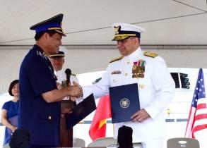 Mỹ bàn giao tàu tuần duyên trọng tải cao cho Việt Nam