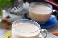 Làm sữa thơm mát từ hạ...