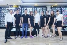 Nhân viên Da Màu Shop phục vụ tận tình, tận tâm với khách hàng
