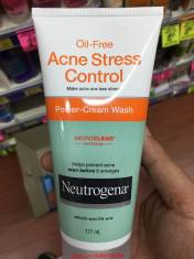 Sữa rửa mặt chống mụn trứng cá Acne stress control Neutrogena.