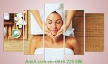 Tranh trang trí spa cô gái đang massage đẹp Amia 945