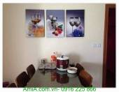 Tranh treo tường phòng ăn ly rượu vang và hoa AmiA 1276