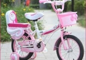 Có nên chọn những chiếc xe đạp trẻ em có bánh phụ cho con