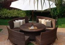Lựa chọn bàn ghế ngoài trời cho quán cafe lịch lãm