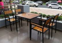 Tại sao nên dùng ghế gỗ cafe?