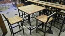 Bàn ghế bar khung sắt mặt gỗ BGS14