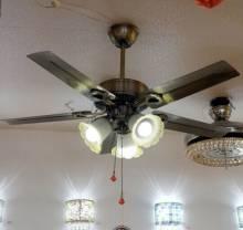 Đèn quạt trần cho không gian phòng khách