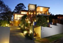 Đèn ngoại thất tôn thêm vẻ đẹp cho ngôi nhà của bạn