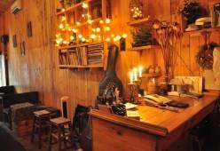 Nên sử dụng đèn tường cho quán cafe không?