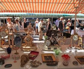 Chợ Đồng Hồ Cổ ở Mỹ