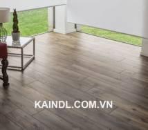 Lựa chọn sàn gỗ công nghiệp hay gạch lát cho mùa hè