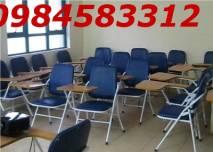 ghế liền bàn ở các trung tâm dạy tiếng anh