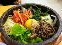Khám phá thói quen ăn uống của người Hàn Quốc