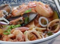 Nấu ngay mì hải sản cay kiểu Hàn Quốc cho ngày ít nắng