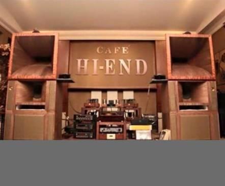 Tu-V-CAP-da-duoc-trang-bi-cho-dan-am-thanh-Chuoi-He-thong-Cafe-HI-END