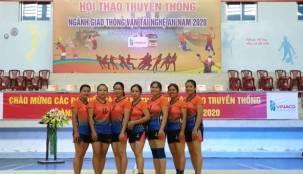 """Những chị em """"vàng mười"""" của bóng chuyền hơi nữ ngành GTVT Tỉnh Nghệ An."""