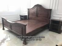 Giường ngủ phong cách châu âu - cổ điển - Chạm gỗ walnut- óc chó