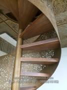 Cầu thang ốp hộp gỗ ...