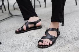 4 Lý Do Tại Sao Quý Ông Không Nên Đi Tất Trắng Với Giày Tây Nam