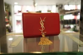 [YSL] Túi nắp gập đeo chéo chùm xích vàng (đỏ)
