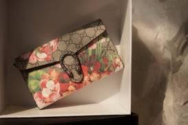 [Gucci] Clutch cầm tay in hoa