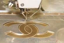 Đột nhập xưởng sản xuất túi xách Chanel