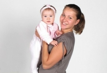 5 bài tập cùng bé giúp mẹ giảm cân sau sinh