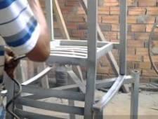 Sơn epoxy bàn ghế sắt ngoài trời cho quán Tee